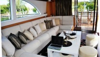 Motor yacht PARADISE -  Salon facing Aft